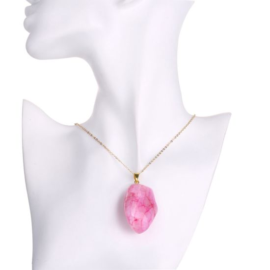 Hot Sale Pink Irregular Natural Agate Stone Pendant Necklace Gold Jewelry for Women pictures & photos