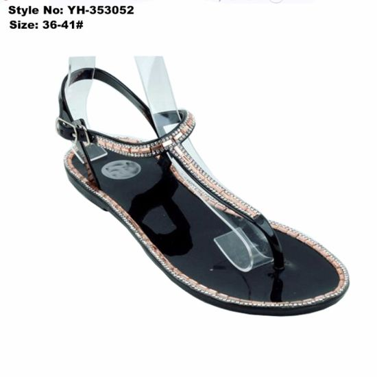 Woman Lady Flat Clip Toe Black PVC Sandal with Rhinestone pictures & photos