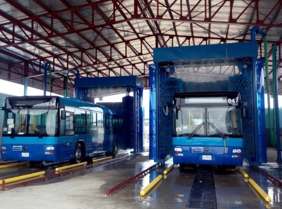 Commercial Automatic Bus and Truck Washing Equipment pictures & photos
