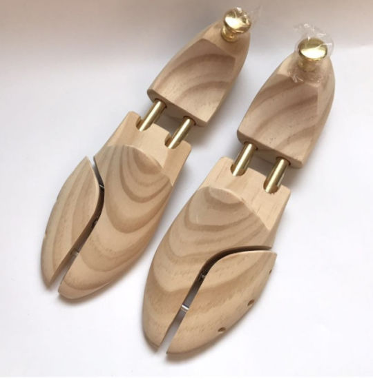 Pine Wooden Double Spring Boot Shapers