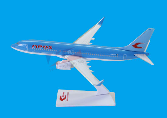ABS Material Scale 1: 200 B737-800 Neos Plane Model pictures & photos