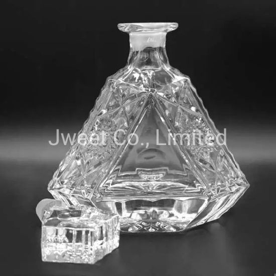 Luxury Design Triangular Emboss 700ml Brandy Wine Glass Bottle