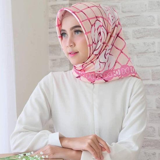 Fashion Designer Indian Wholesale Silk Satin Scarf Square Digital Print Women 100% Silk Scarf