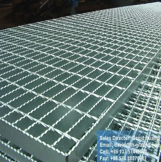 China galvanized steel mesh sheets for floor walkway for Catwalk flooring