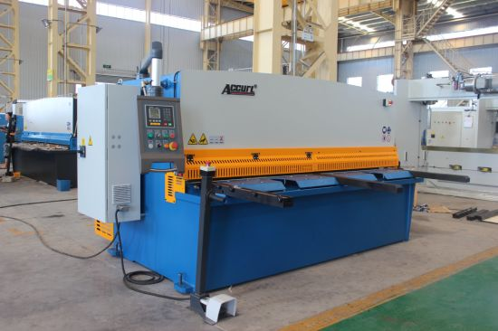 Hydraulic Cutting Machine QC12y-25*2500 E21 pictures & photos