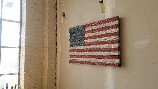China Decoupage Hand Painted Metal Rustic American Flag Wooden Wall ...