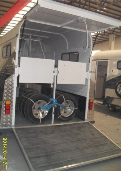 2 Horses Straight Load Economical Float Trailer pictures & photos