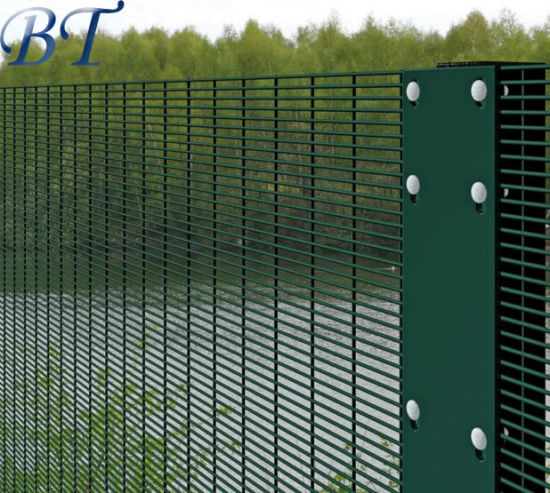 358 3510 Powder Coated Security Anti Climb Fence pictures & photos
