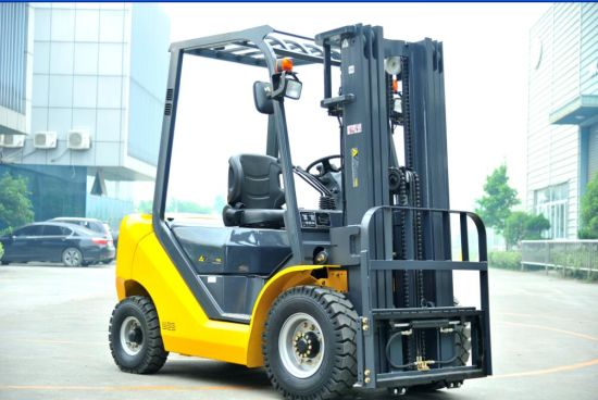 1.5t 1500kg Un Diesel Forklift with CE (FD15T-JB) pictures & photos