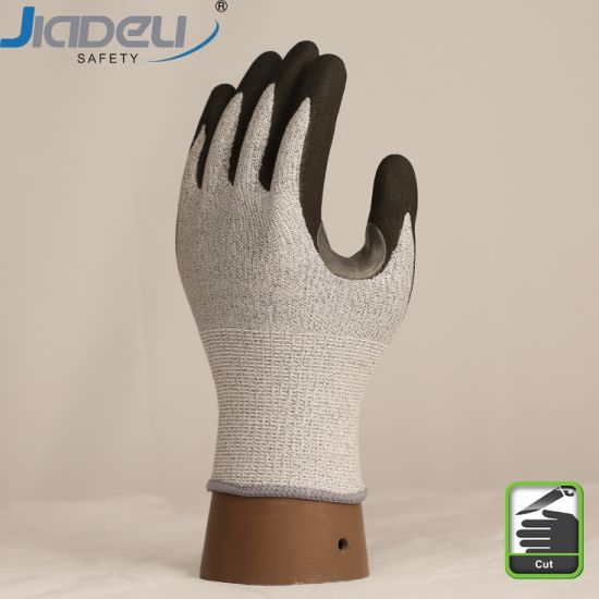13 Gauge Cut Level C Shell Reinforcement Between Thumb and Index Palm Foam Nitrile Coating Gloves