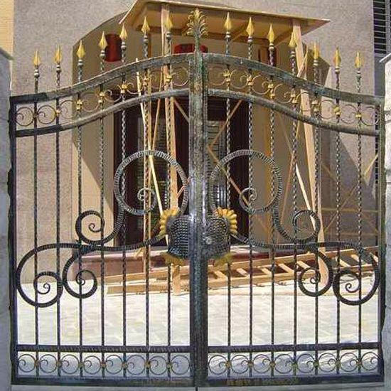 China Iron Main Gate Designs House Gates Wrought Iron Gate China