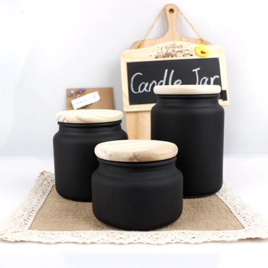 High Quality 100ml 150ml 300ml 500ml 700ml Luxury Modern Frosted Candle Holder Matte Black Glass Candle Jar with Wooden Lid