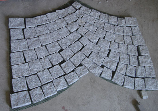 G562/G664/G687/G603/G654 Chinese Granite Polished/Honed/Flamed/Natural Split Slabs/Tiles/Countertops/Stairs/Cubes/Kerbes for Interior/Exterior Decoration pictures & photos