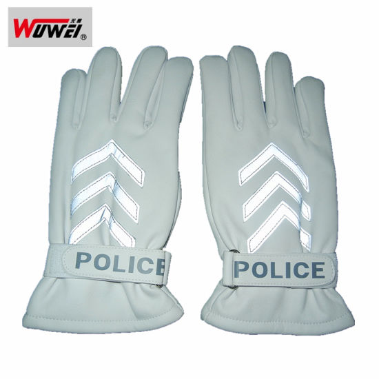 China Leather Reflective Gloves for Traffic Police - China