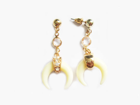 China 2019 Wholesale Fashion Design Metal Gold Horn, Resin, Ivory