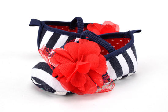 2017 New Arrival Hand Made Children Infant Baby Shoes Soft Soles Indoor Toddle Shoes pictures & photos