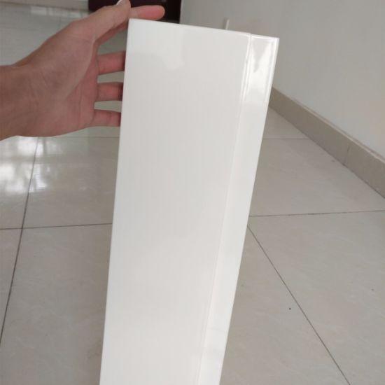China Modern High Gloss White Paint Kitchen Cabinet Door