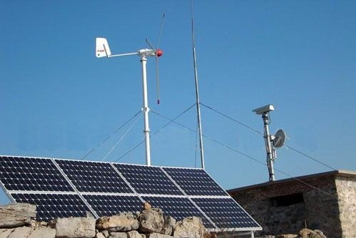 1kw 5kw Wind Solar Power Home System Home Use pictures & photos