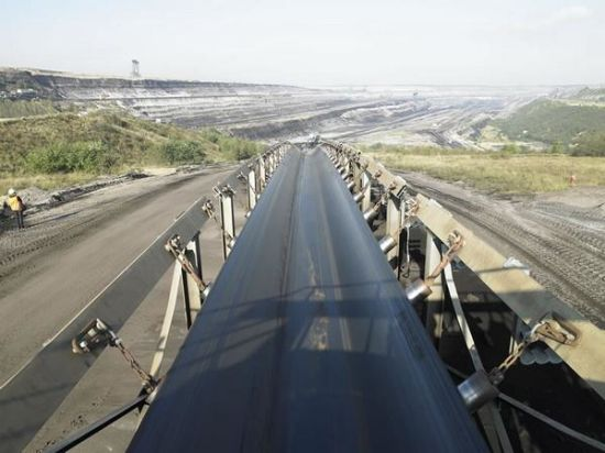 Industrial Wear-Resistant and High Temperature Retaining Conveyor Belt