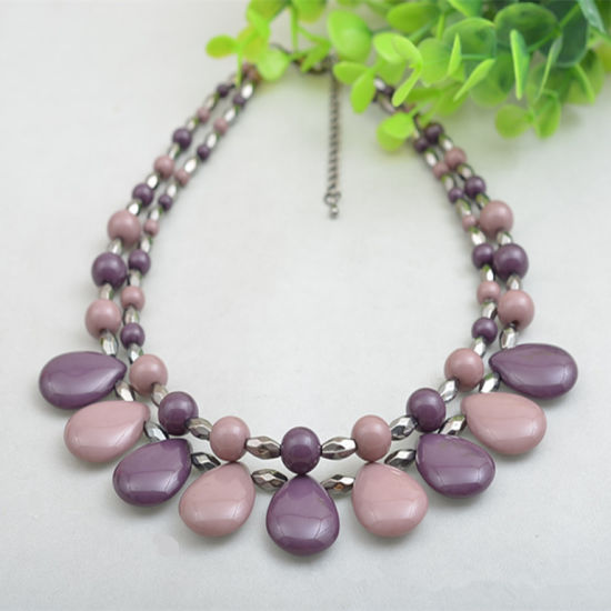 Elegant Ccb Color Acrylic Plastic Water-Drop Shape Solid Handmade Beaded Short Necklace pictures & photos