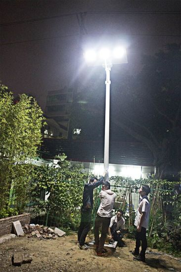 Easy Installation 80W All in One Solar Power Street Light pictures & photos