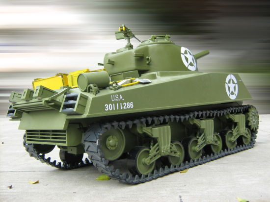 225gt603-1/6 M4a3 Sherman RC Tank - 105mm Howitzer (Gas Powered) pictures & photos