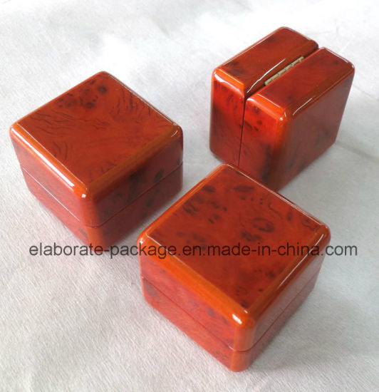 Small Brown Wooden Veneer Ring Box pictures & photos