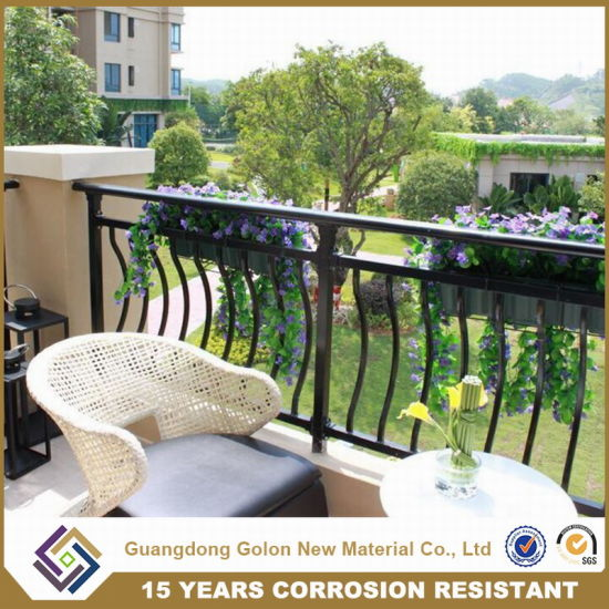 Black Wrought Iron Balcony Railing pictures & photos