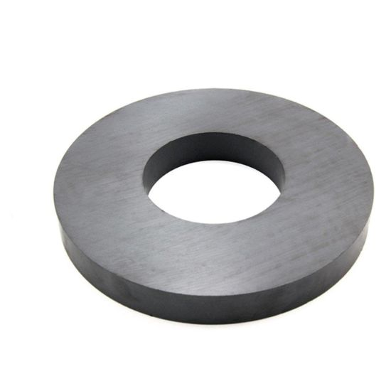 2017 High Quality Strong Ferrite Magnet Ring pictures & photos