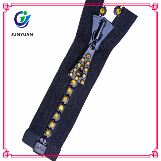 Fashion Accessory China Diamond Zipper with Custom Zipper Pulls