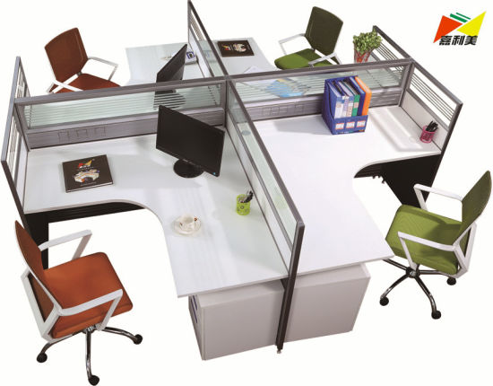2018 New Fashion Office Workstation 4 Seats Computer Desk pictures & photos