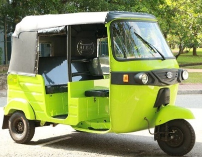 Latest Electric Bajaj Tricycle Passenger Taxi Rickshaw pictures & photos