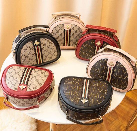 Fashionable and Retro One Shoulder Messenger Bag Handbag