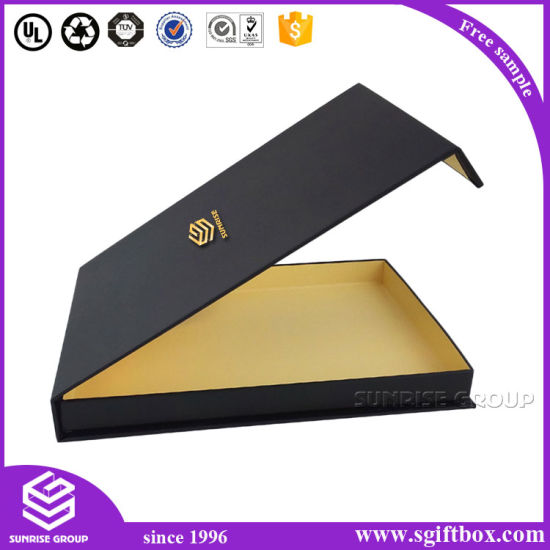 Custom Foldable Prefume Clothing Gift Packaging Paper Box pictures & photos