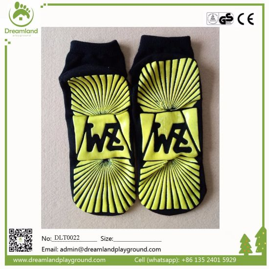 Wholesale Professional Custom Indoor Anti Slip Trampoline Sock pictures & photos