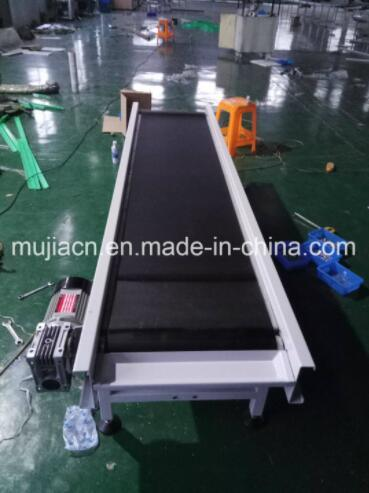 Customized Assembly Line Black PVC Belt Conveyor for Airport Luggage Transport