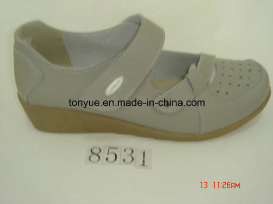 Lady Leather Casual and Comfortable Wedge Women Sandals with Magic Tape pictures & photos