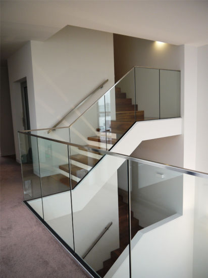 Wall Mount U Channel Glass Balustrade pictures & photos