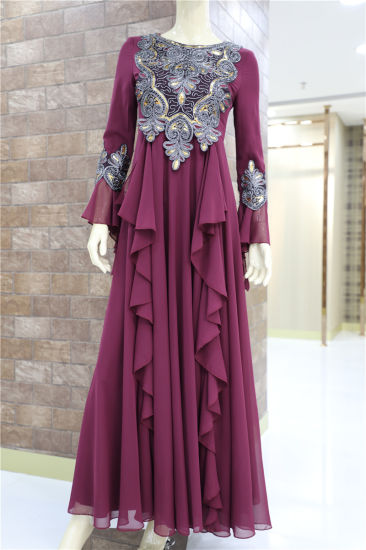 Fashion Chiffon Embroidered Pleated Muslim Dress Long Sleeve Party Ladies Dress pictures & photos
