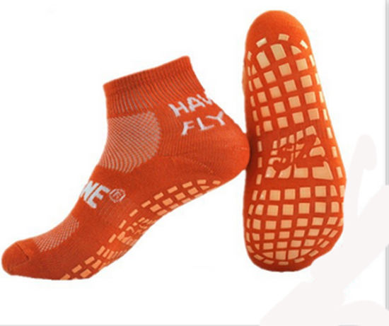 Customized Anti Slip Trampoline Sports Jumping Socks pictures & photos