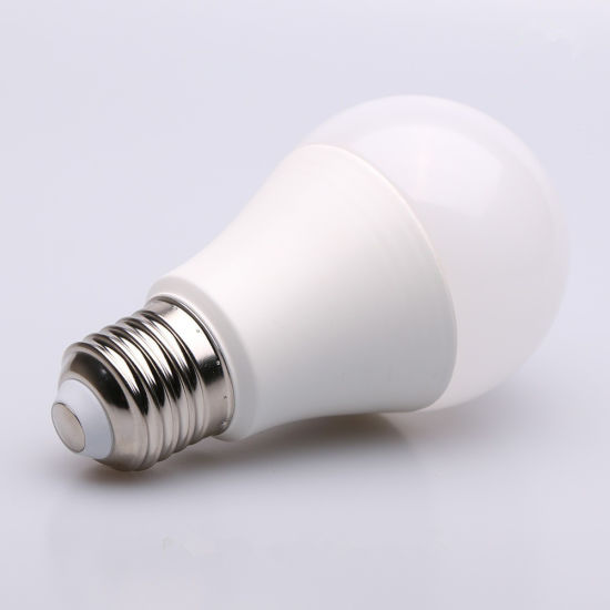Ce RoHS E27 B22 A70 15W LED Bulb for Home pictures & photos