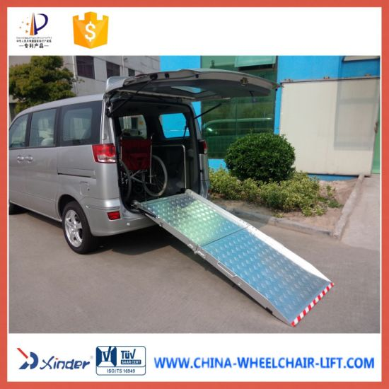 Manual Wheelchair Ramp for Van with 350kg Loading (BMWR-201) pictures & photos