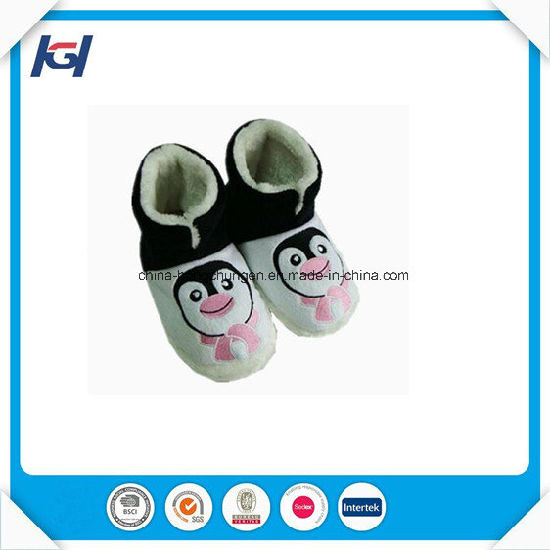 New Arrival Cute 3D Head Baby Winter Warm Indoor Boots pictures & photos