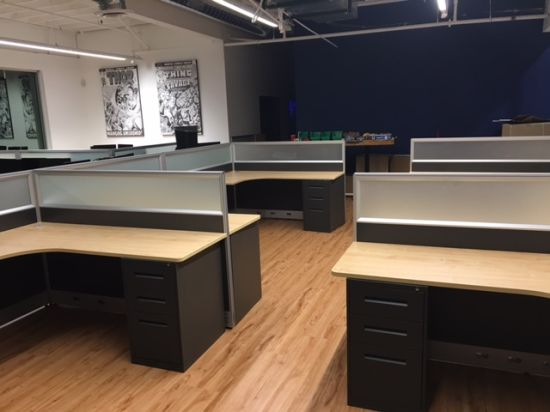 Station de travail de bureau classique américaine Centre d\'appel des  cabines de partition