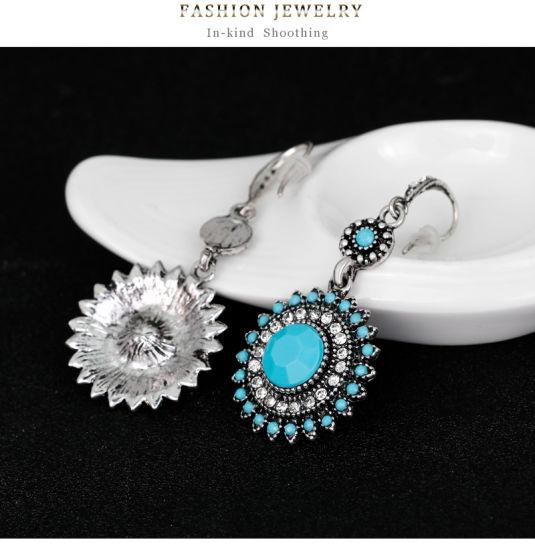 precio de fábrica 81412 5ca6d Comercio al por mayor 2018 Diseño superior de la mujer Bisutería Accesorios  boda aretes aretes de cristal de Bohemia de la moda