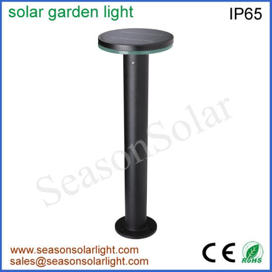 Haut de la lumière de la lampe solaire de jardin en plein air avec panneau  solaire de 5 W pour éclairage de jardin