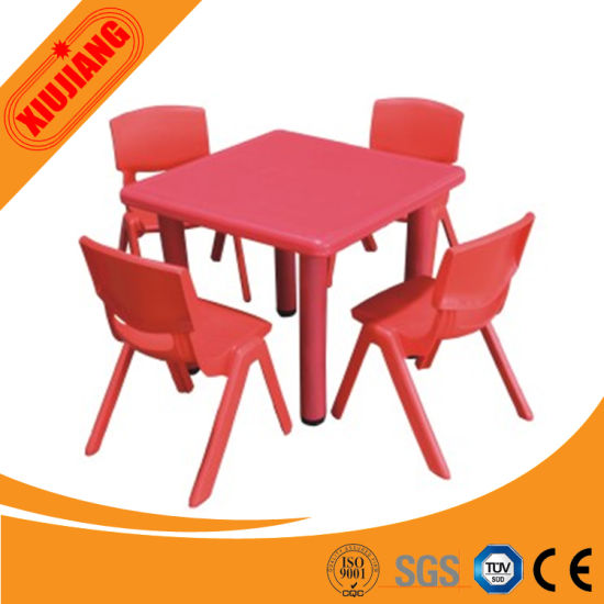 China La seguridad Mobiliario Escolar mesas y sillas de