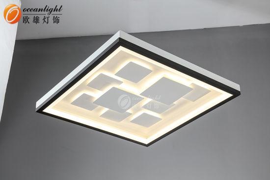 Rond Carré Led Lumineuse Et Moderne De Plafond Suspendu De L éclairage à Led Omx8180055