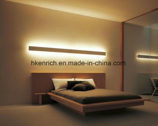 LED-Schlafzimmer-Licht-moderne doppelte seitliche Innenoberfläche  eingehangenes Aluminium auf und ab das Ausstrahlen des LED-Wand-linearen  Lichtes