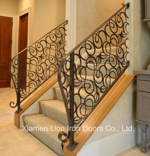 Les Fabricants De Peinture En Poudre Utilise Rampe D Escalier En Fer Forge A La Main Courante